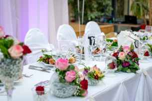 dinner roses decoration wedding